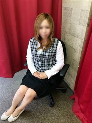 吉井 明日美-image-(5)
